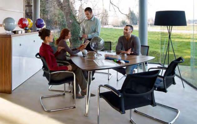 Konferenzmoebel fuer Konferenz und Meeting viele Variationen