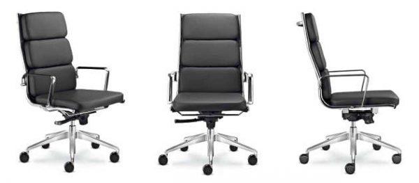 Konferenzstühle Fly mit hoher Rueckenlehne und Komfortpolster