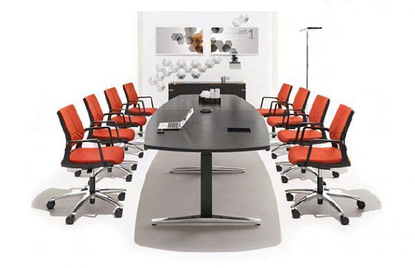 Konferenztisch Konferenzdrehstühle Konferenzraumeinrichtung
