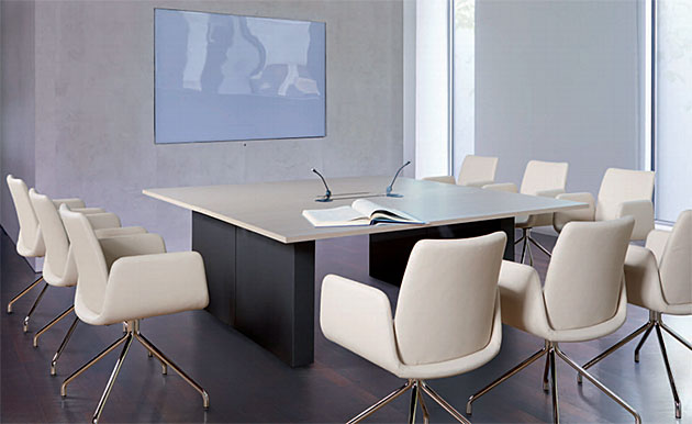 Konferenztische COMM, Gestell als Wange, quadratische Tischplatte