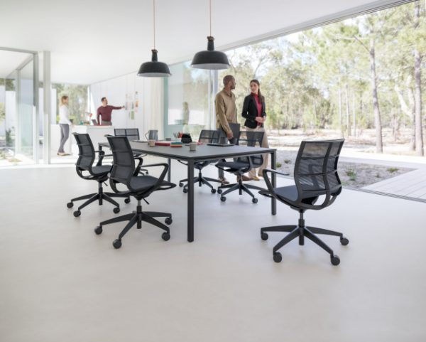 Konferenzstühle sejoy schwarz, beim Meeting ergonomisch sitzen