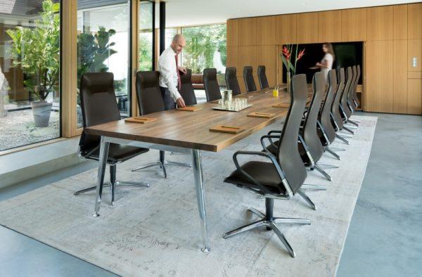Konferenzstuhl seline, höchster Komfort, repraesentatives Design