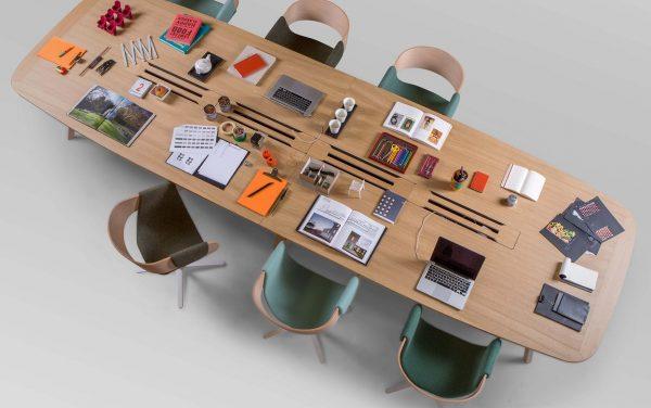 Konferenztisch und Arbeitsumfeld, Netzwerk orientierte Bench wing
