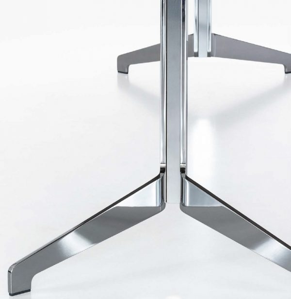 Fußgestell lynx Konferenztisch in Massivholz